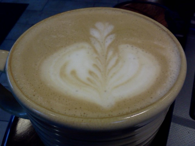 Good Earth Kelowna, Almond Milk White Mocha